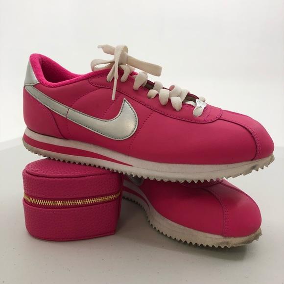check out d66c5 cebc8 Nike Cortez - hot pink   silver size 8.5. M 5b6f5bf2c2e88e91fa5ed550